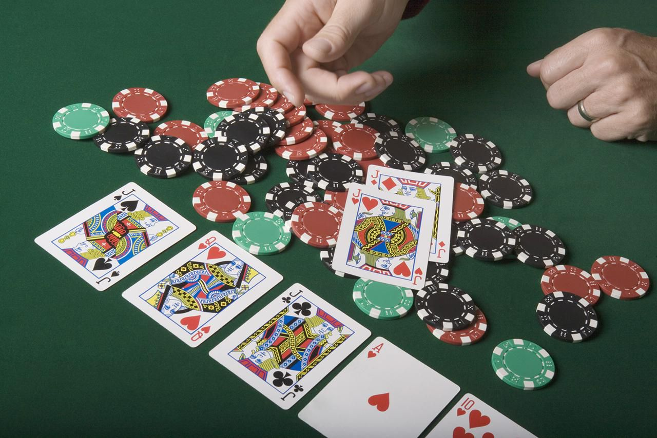 Difficult Hand of Casino Poker