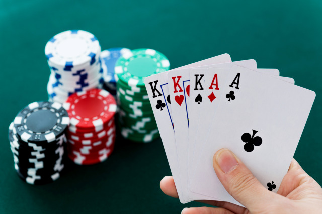 Presenting Bluff Avenue: Play Private Online Poker Games